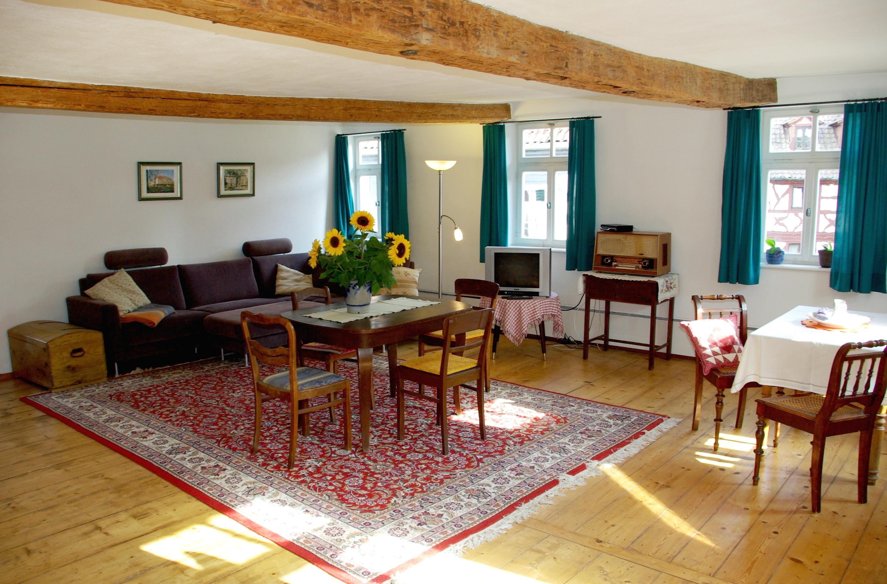 Wohnzimmer der Ferienwohnung im Gasthaus