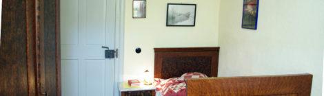 historisches Bett mit Patchwork